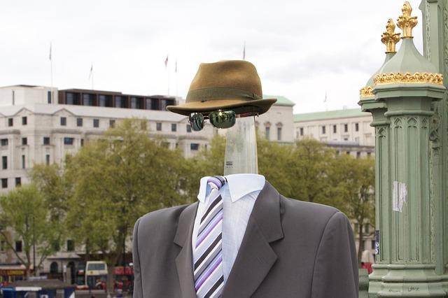 faceless man online visibility